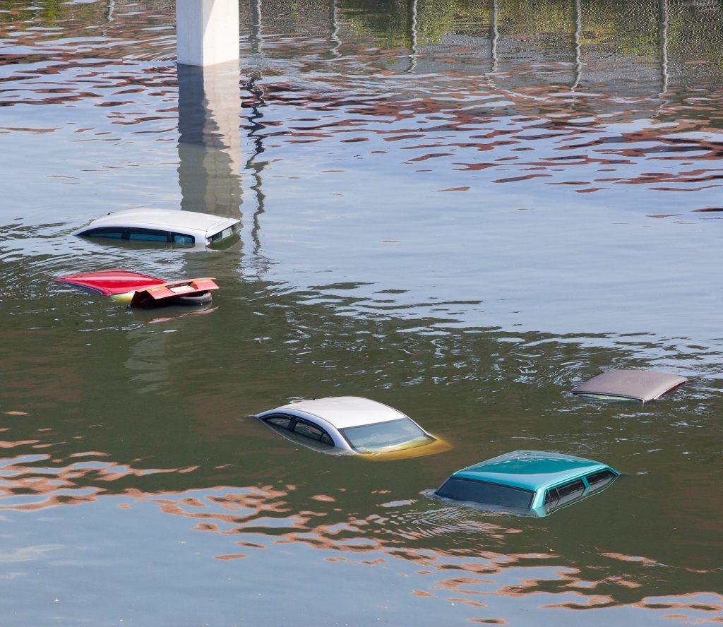 Automobiles are submeresed in flood water